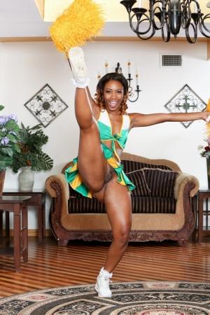 Ebony Cheerleader Pics